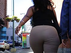 Latina Culona In Khakis